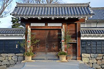 松本城門松飾り